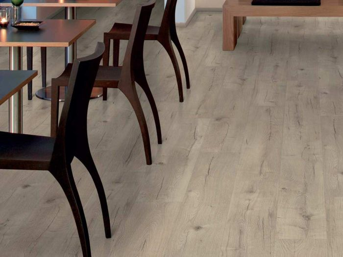 Elf Majestic Pure Oak Unifit Laminated Flooring With V-Groove - 8mm